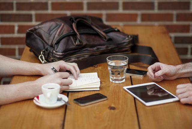 Formy działalności dodatkowej, które pomagają znaleźć pracę po studiach