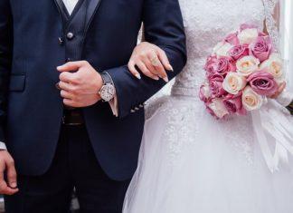 Jaki prezent wręczyć rodzicom na ślubie?