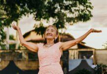 noszenie sukienek a wiek